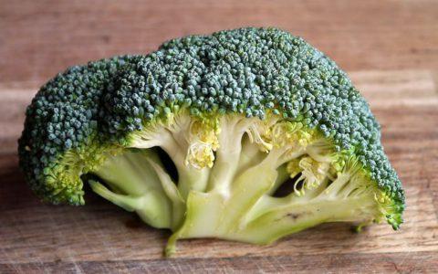 Dieta antyrakowa – co jeść a czego nie?